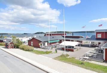 Stavsnäs Vinterhamn – Hyresfastighet intill kajkanten