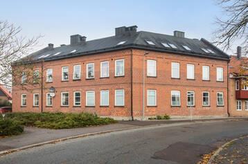 Två välrenoverade fastigheter i ett bolag