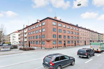 Centralt  hyreshus med 25 lägenheter