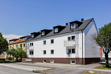 Fem fastigheter i ett bolag med 27 lägenheter.