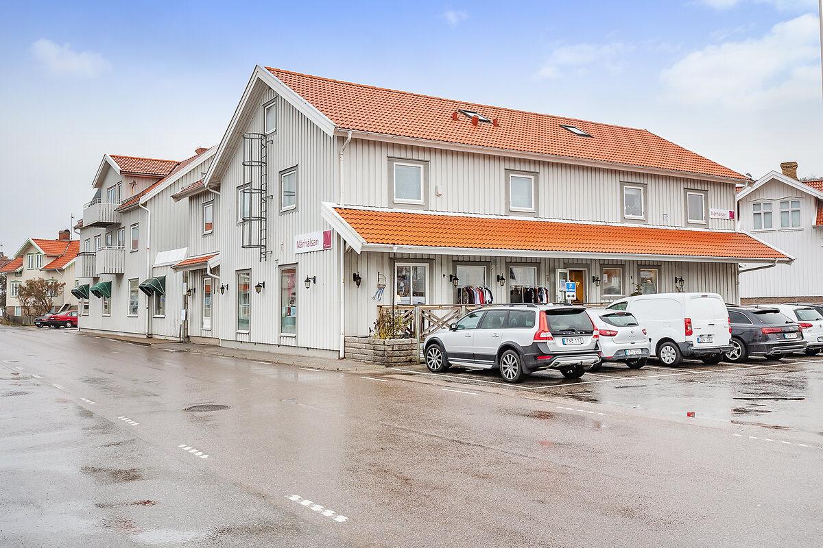 Kommersiell fastighet, Hamngatan 14 och 16, Skärhamn