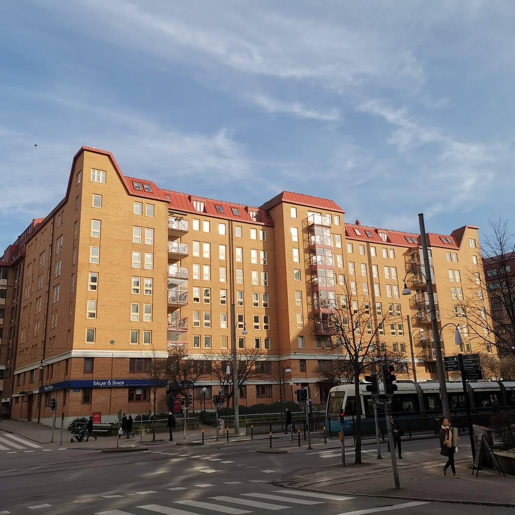 Unik lägenhet fördelat på två lägenheter med separata ingångar