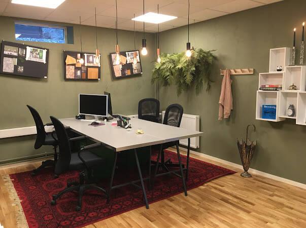 Modern kontorslokal med övernattningsmöjlighet i populära Bromma!