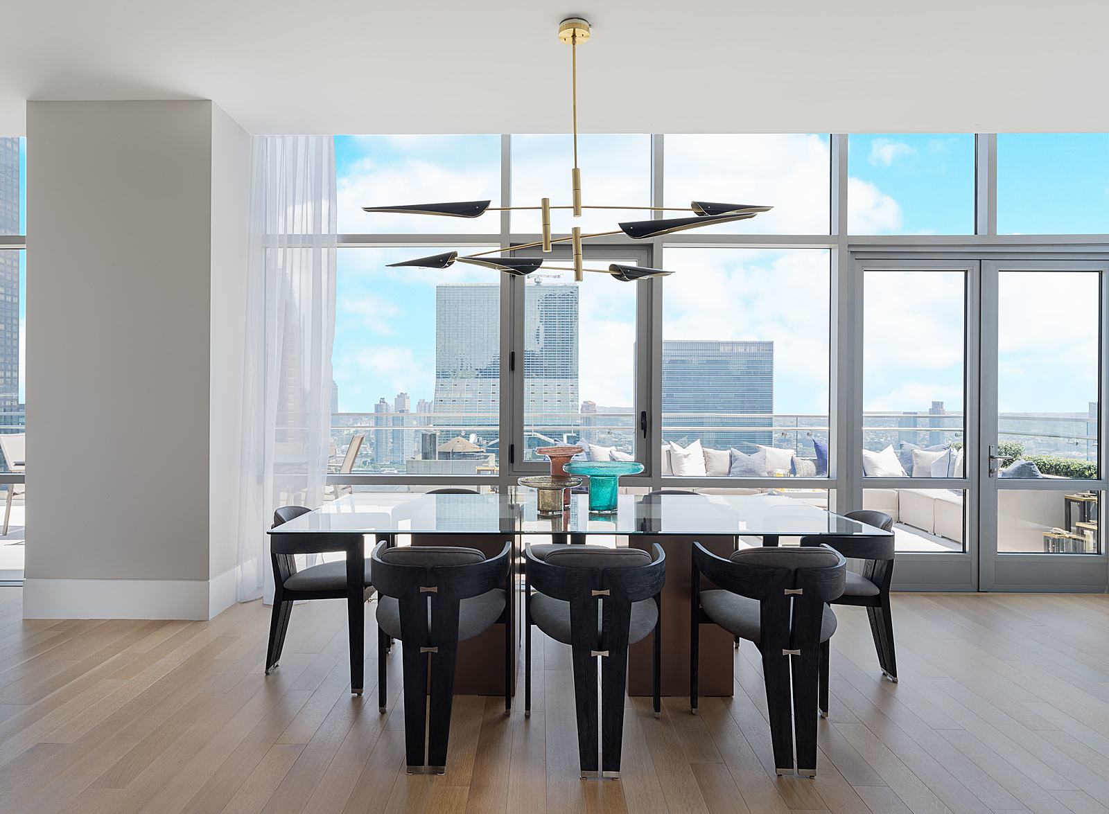 219East44thStreetPH-MidtownNewYork_Aaron_Ross_DouglasElliman_Photography_83045087_high_res