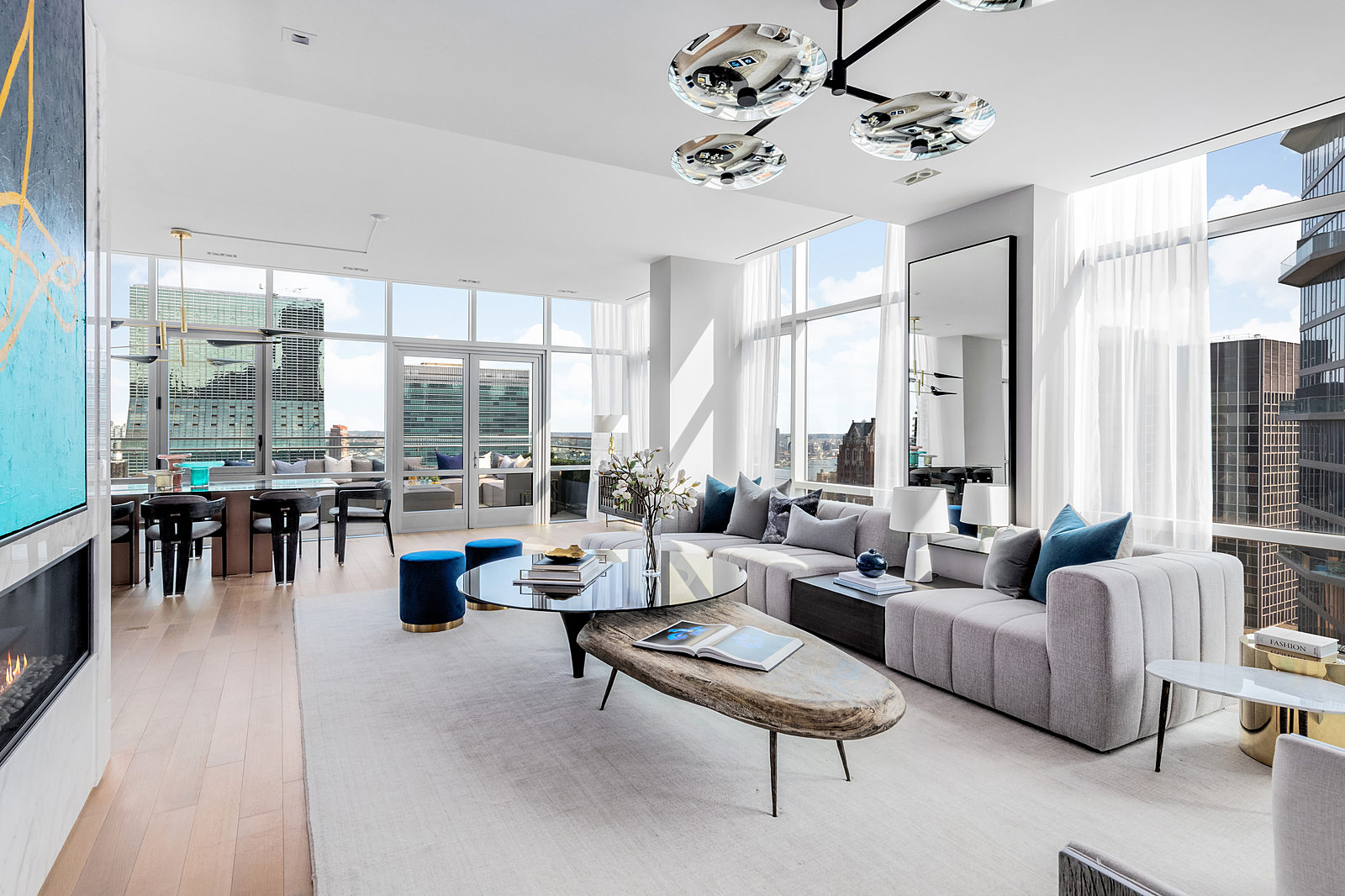 219East44thStreetPH-MidtownNewYork_Aaron_Ross_DouglasElliman_Photography_83045122_high_res