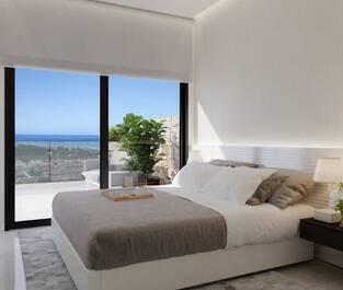 det-fina-sovrummet-med-skjutdorrar-ut-till-terrassen-och-inbyggda-garderober--873052786-rszww1170-80