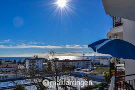 Trivsam lägenhet med fin utsikt över Nerja