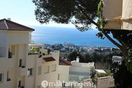 Mijas Costa - Nyrenoverad lägenhet med trevliga poolområden. Prissänkt 10 000 euro.