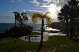Öppen planlösning med havet som närmsta granne - Torrequebrada