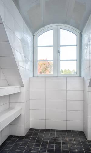 Vacker takkupa i badrummet