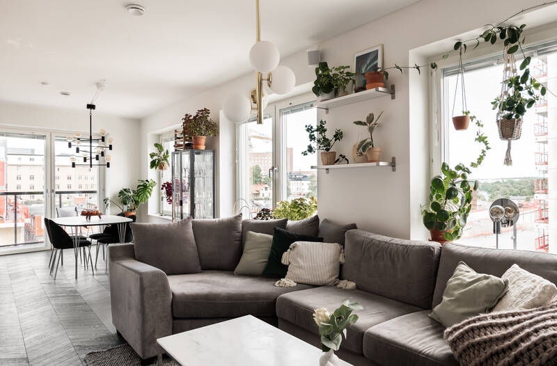 Nestor Fastighetsmäkleri – Hälsingegatan 61 – Optimalt planerad tvårummare med stor balkong!