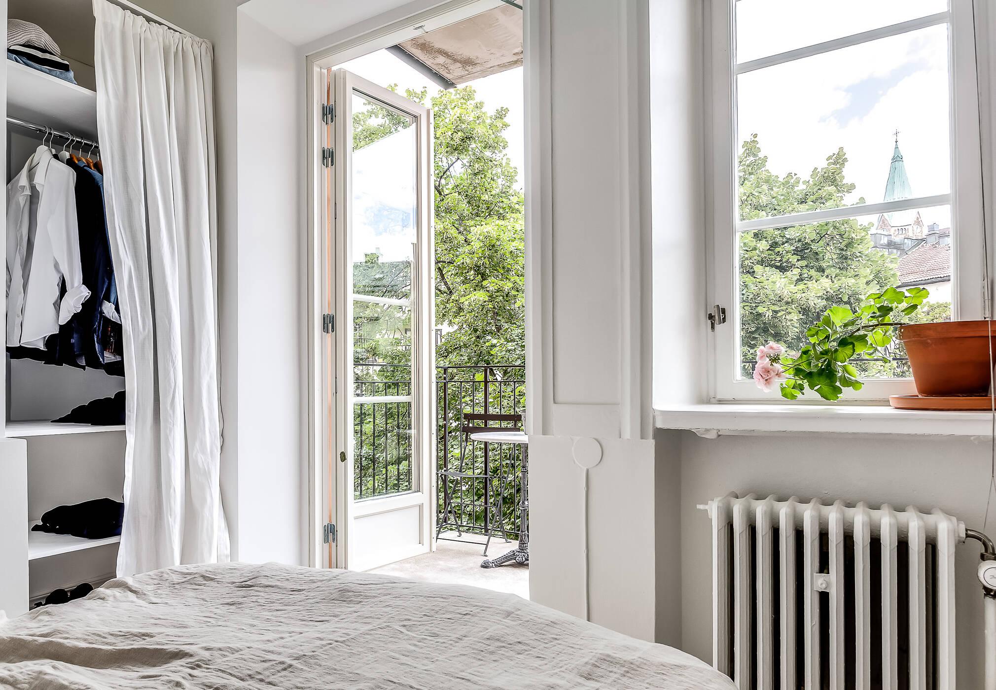 Sovrum mot balkong