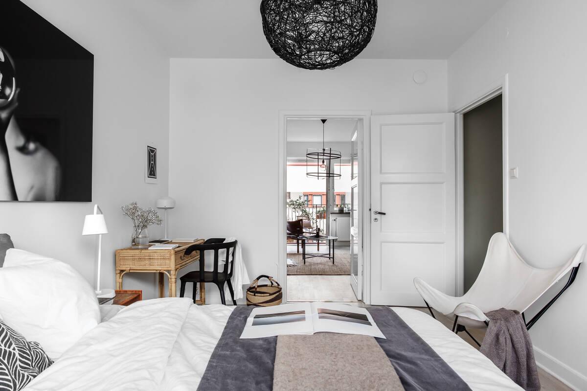 Sovrum mot vardagsrum