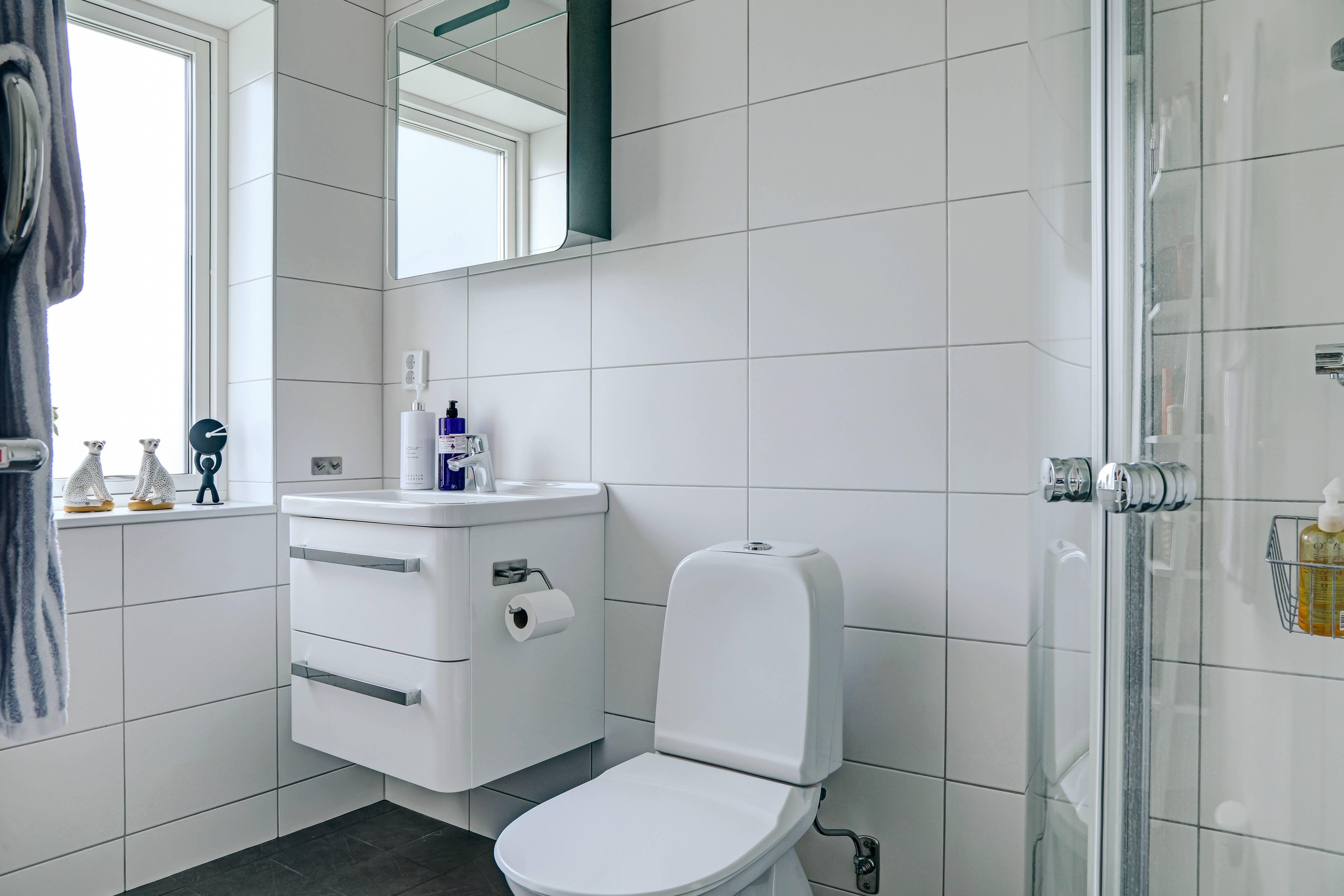 Dubbla helkaklade badrum