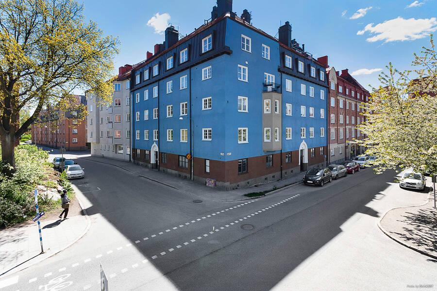 VÄLPLANERAD SEKELSKIFTESPÄRLA I RÅSUNDA