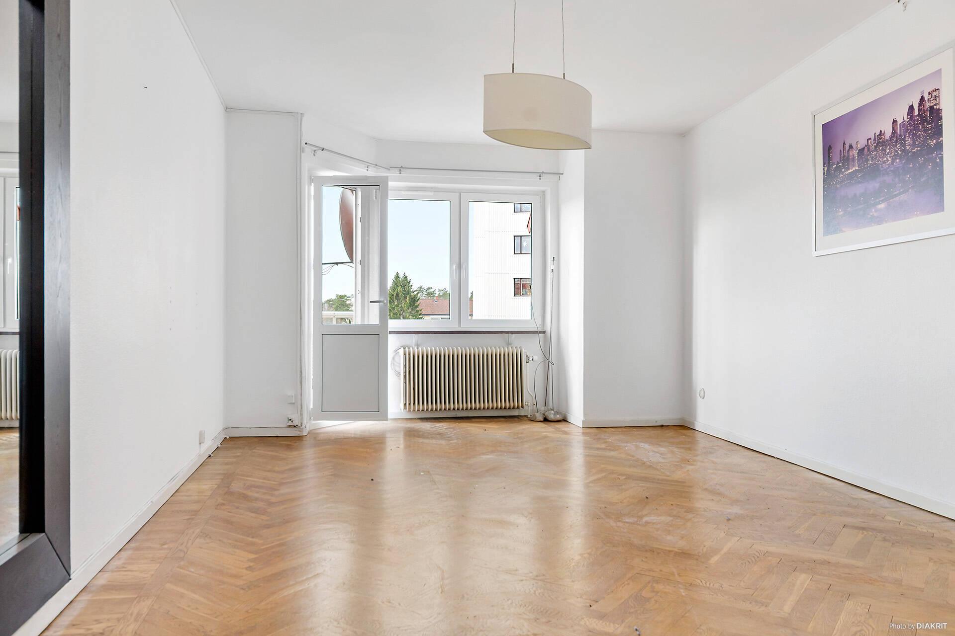 Renoveringschans! Tre rum och kök med balkong. Nytt badrum