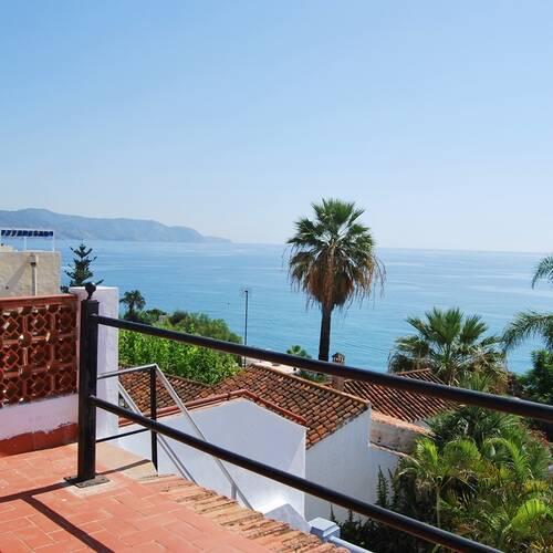 Kusten från Punta del la Mona till Balcon d´Europa
