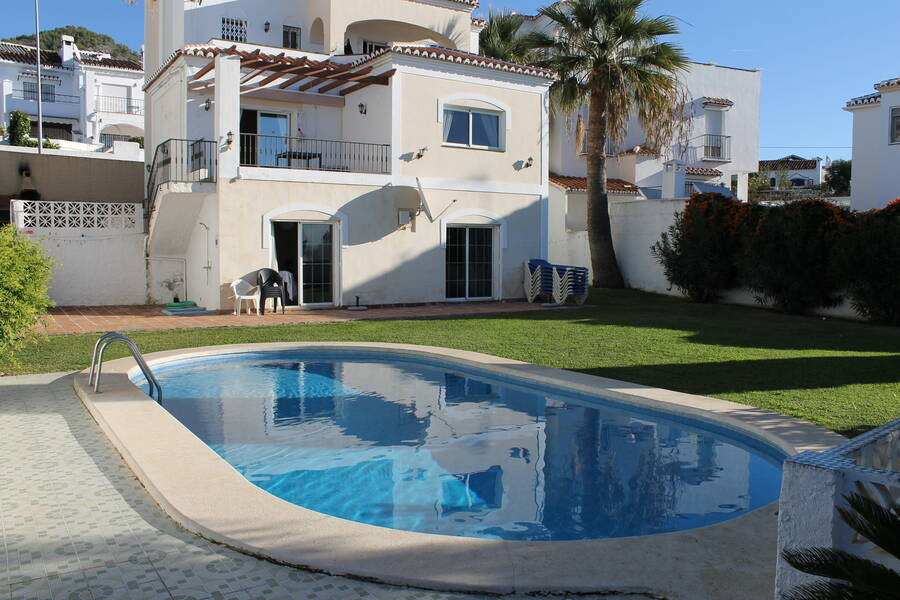 Stor villa på 320kvm med egen pool i Nerja