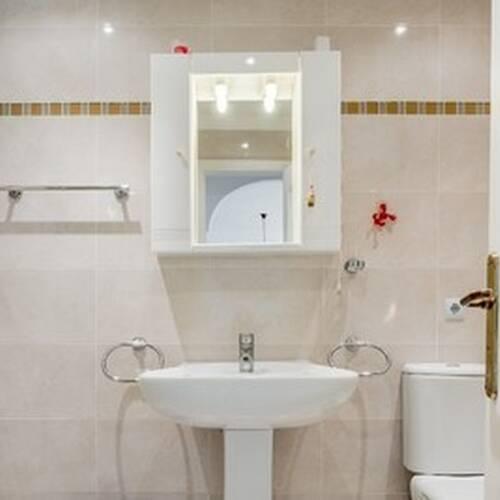 Fräscht och ljust badrum