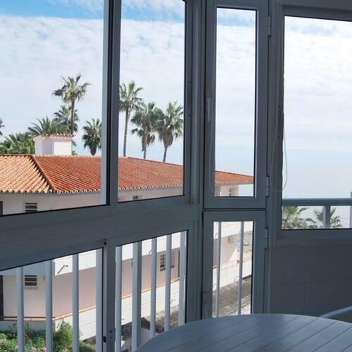 Inglasad balkong till kyligare kvällar