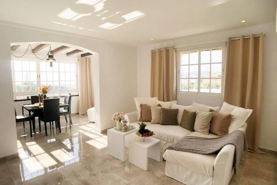 Moderna lägenhet i Paco Romo i Nerja