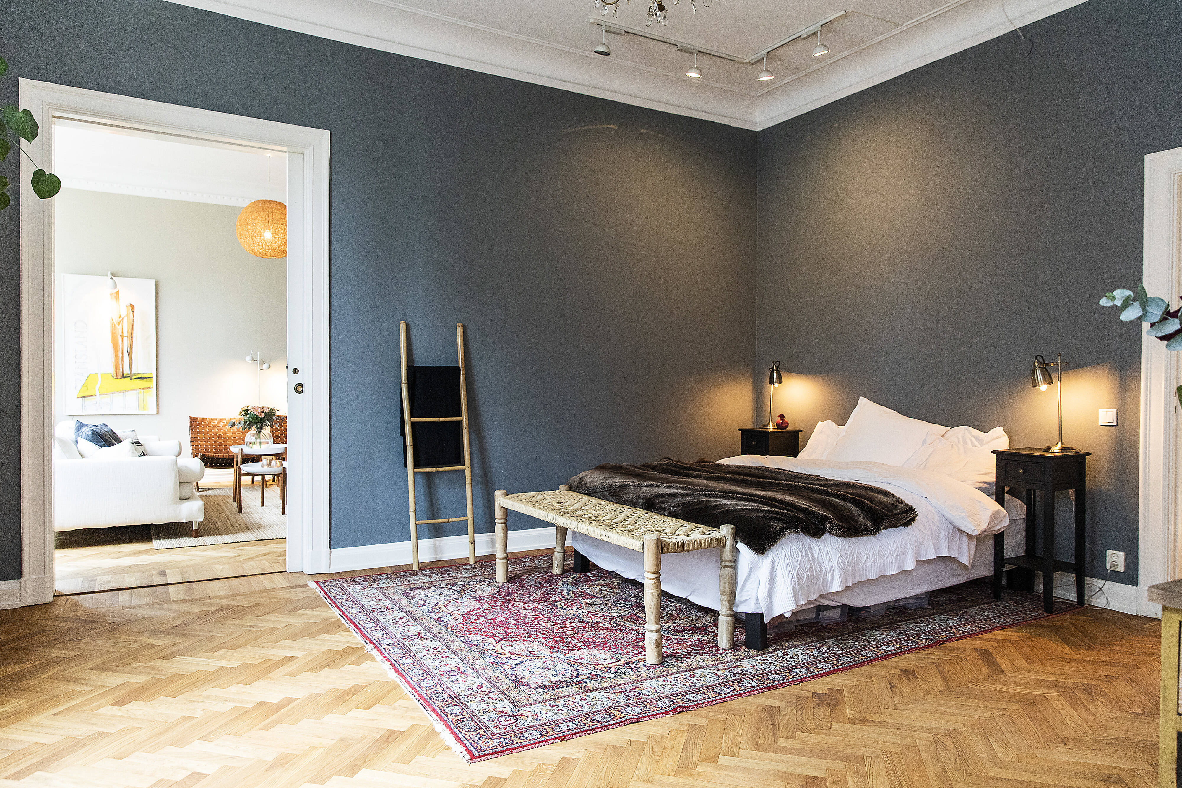 Rummen i fil är en härlig känsla i sig och fantasin kan få er att möblera