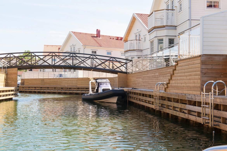 Gångbron i området