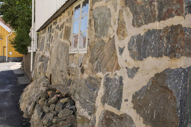 Huset är uppfört på en vacker granitgrund
