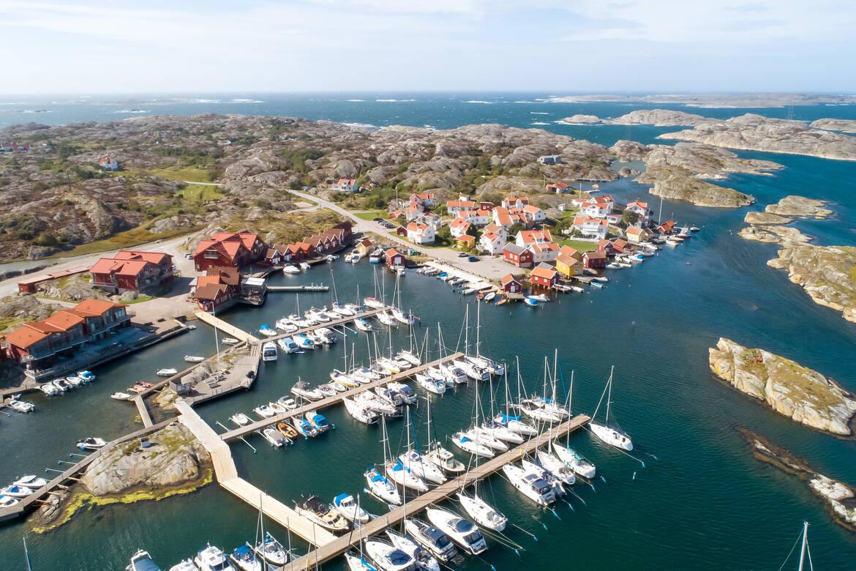 Marinan och det gamla fiskesamhället med västerhavet utanför.
