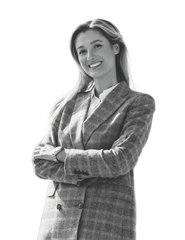 Portträttbild av Ekonomi & Kommunikationschef  Alma Turkovic