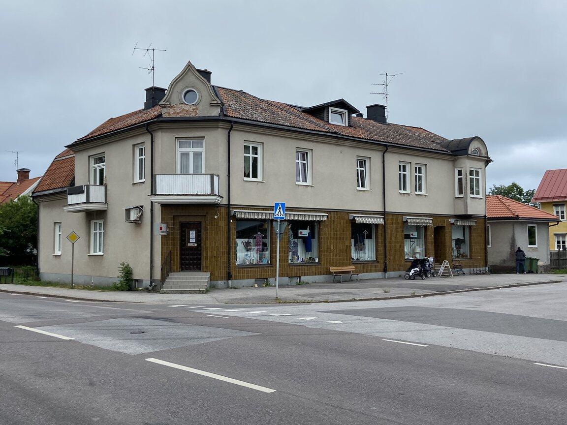 Kommersiell fastighet, bostäder, Borrebodagatan 16, Töreboda
