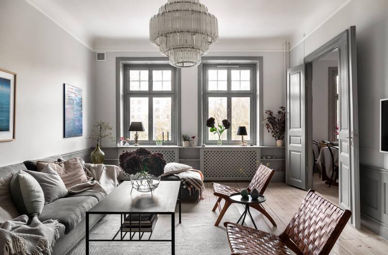 Nestor fastighetsmäkleri – Birger Jarlsgatan 125 – Sekelskifte med balkong och fungerande kakelugn