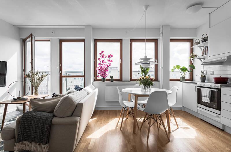 Nestor Fastighetsmäkleri – Östersundsgatan 7 – Nyproducerad bostad högt upp i huset med två franska