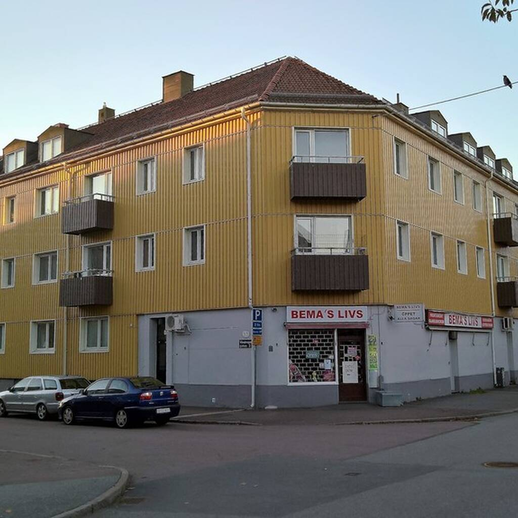 Vindragaregatan 8A, Brämaregården