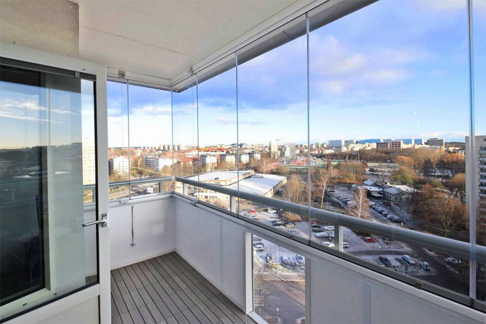 Bo med himlen som granne i en toppfräsch lägenhet!